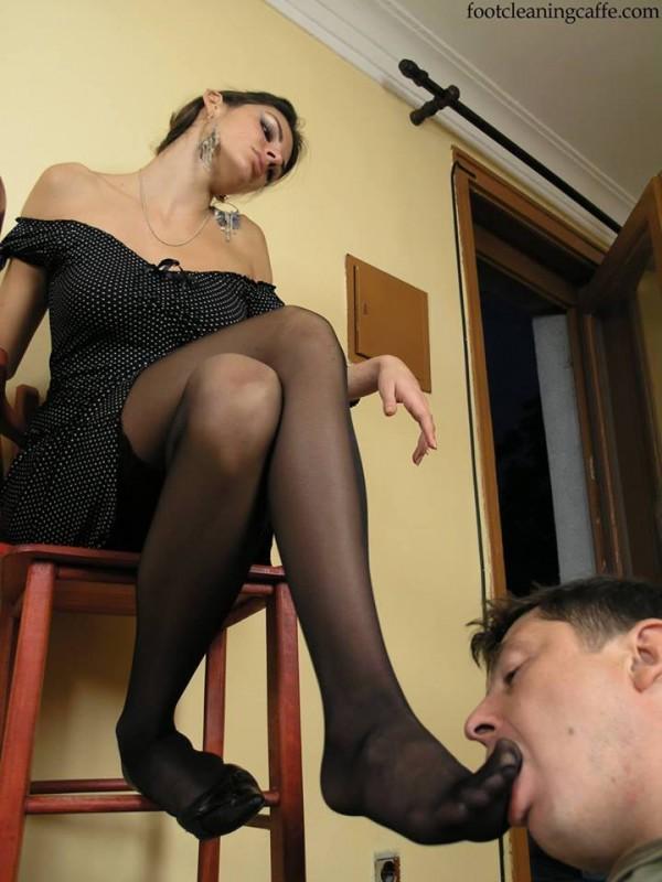 Вылизывай потные ноги