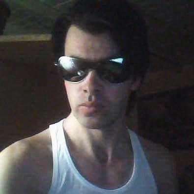 Salut sunt saten spre brunet am 30 de ani ochi Capri sunt suplu in 165 si 69 de kg sunt din judetul neamt roman si imi   caut jumatatea mea si las numarul meu 0753851651 ok
