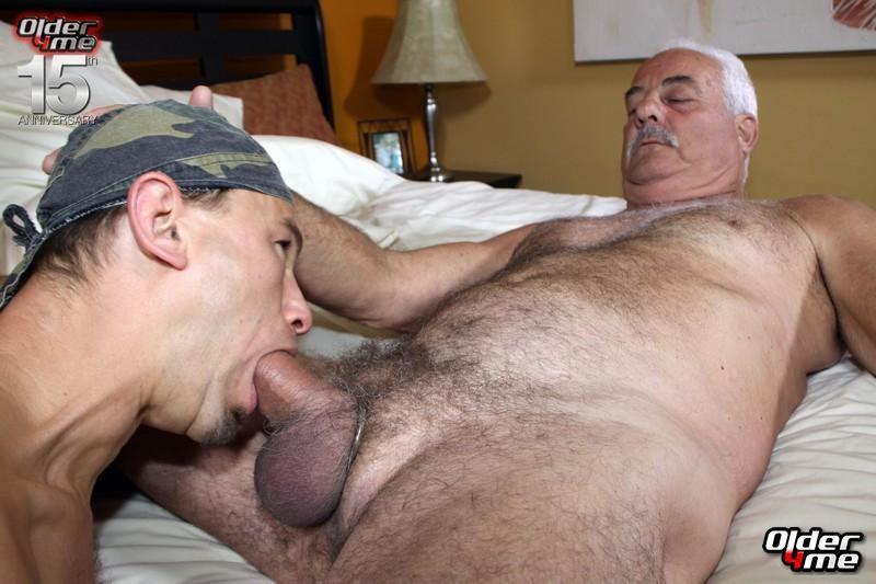 Gay chat older men